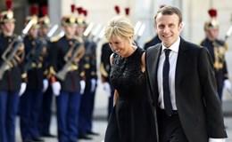 Chuyện tình kỳ lạ của ứng cử viên Tổng thống Pháp với người vợ hơn 24 tuổi