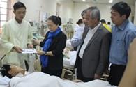 Phó Chủ tịch Tổng LĐLĐVN về Hà Tĩnh trao 60 triệu đồng cho nạn nhân vụ sập giàn giáo