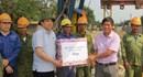 LĐLĐ Hà Tĩnh: Tặng quà CNLĐ thi công trên công trường  