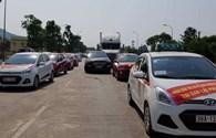 Hà Tĩnh: Người dân thị xã Kỳ Anh đòi miễn vé BOT qua Cầu Rác