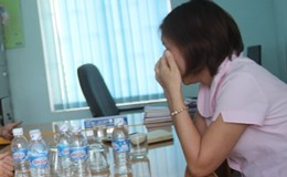 Bà giám đốc bị tố đập bàn, hắt nước vào cô giáo mầm non ngay giữa cuộc họp