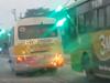 """Hà Tĩnh: Xe buýt """"nhái"""" chèn ép xe buýt thật, công an """"đá bóng"""" trách nhiệm"""