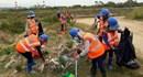 Công nhân Cty Formosa cùng người dân làm vệ sinh môi trường