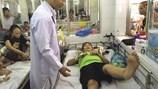Ca mổ xuyên đêm cứu em bé ung thư dập tủy, tụ máu