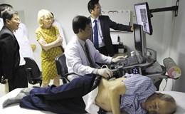 """Chuyện lạ: Bệnh viện tư xin tụt hạng để """"gom"""" bệnh nhân"""