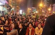Chùm ảnh: Vạn người làm lễ cầu an tại chùa Phúc Khánh, Hà Nội