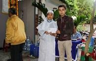 Quỹ Tấm lòng vàng Lao Động dâng hương viếng cựu binh Gạc Ma vừa qua đời