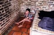 LD1761: Nỗi đau của gia đình hơn 40 năm chăm con tật nguyền
