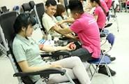 """Bắc Ninh: Hàng nghìn công nhân chia """"giọt máu đào"""", trao gửi yêu thương"""