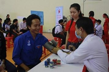 """Bác sĩ trẻ lấy hiến máu cứu người làm """"niềm đam mê"""""""