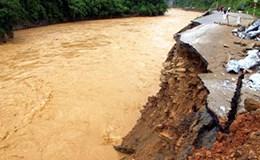 Hà Nội: Sạt lở nghiêm trọng hai bên bờ sông Trung Thủy Nông