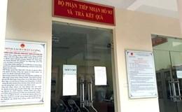 """Vụ dân """"tố"""" bị hành khi xin giấy chứng tử: Phó Chủ tịch phường Văn Miếu bị tạm đình chỉ công tác"""