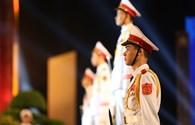 """Cầu truyền hình """"Dáng đứng Việt Nam"""": Những câu chuyện đặc biệt chưa kể!"""