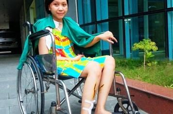 LD1791: Không còn tiền chữa bệnh, nữ sinh báo chí nguy cơ tàn phế