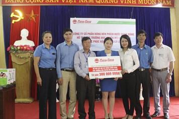 Trao 300 triệu tới học sinh vùng lũ Mù Cang Chải, Yên Bái