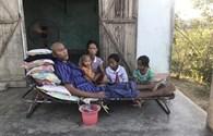 LD17109: Người cha nghèo xin cứu lấy đôi chân liệt