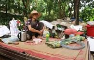 LD17120: Hai cụ già neo đơn sống trong căn nhà đổ nát cần được hỗ trợ