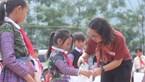 Quỹ XHTT Tấm lòng Vàng: Mang áo ấm đến học sinh vùng cao