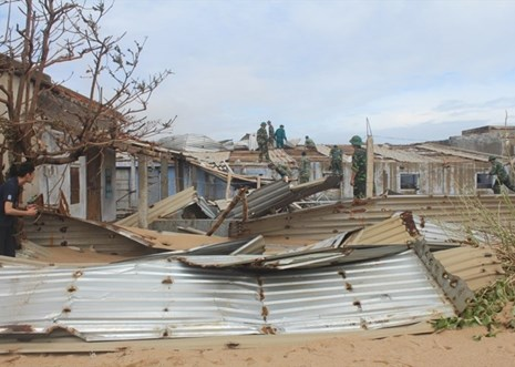 Dành dụm lương hưu gửi tới đồng bào bị ảnh hưởng do lũ lụt
