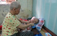 LD17125: Buốt lòng người vợ ung thư chăm chồng tai biến