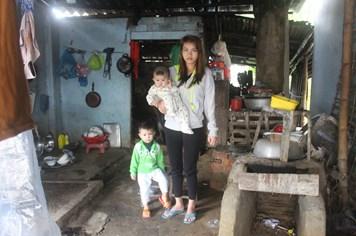 LD17138: Nỗi cơ cực của người mẹ đơn thân tật nguyền nuôi 2 con thơ