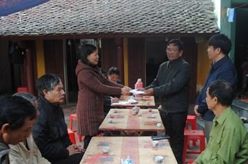 Sẻ chia cùng thân nhân gia đình công nhân tử nạn