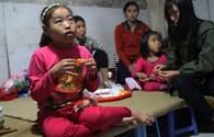 LD1837: Nhọc nhằn nỗi đau của cô bé bại liệt, suy thận mãn tính suốt 15 năm