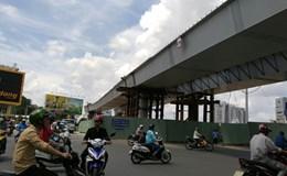 """Sắp thông xe hai cầu vượt """"giải cứu"""" kẹt xe sân bay Tân Sơn Nhất"""