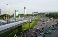 """Kiến nghị mở thêm cổng """"giải cứu"""" sân bay Tân Sơn Nhất"""
