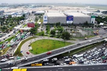 """Vô số dự án """"giải cứu"""", sân bay Tân Sơn Nhất vẫn… tắc"""
