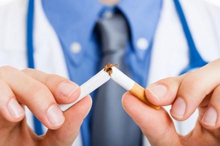 Góc nhìn thứ bảy: Sự ích kỷ của những điếu thuốc lá
