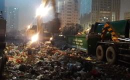 Việc đầu tiên là dọn sạch rác