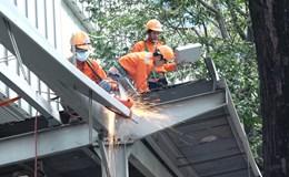 TPHCM: Mái che của công trình Saigon Centre bị quận 1 cắt bỏ