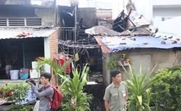 TPHCM: Căn nhà bốc cháy dữ dội lúc giữa trưa