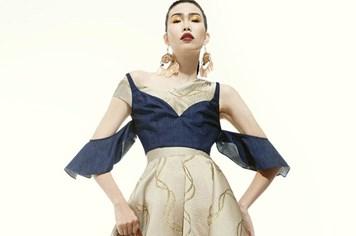 Siêu mẫu Kim Phương nổi bật với váy cắt xẻ táo bạo