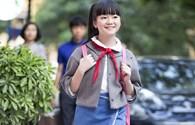 Kim Anh The Voice Kids xinh tươi xuống phố đón gió mùa