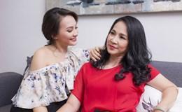 """""""Mẹ chồng"""" Hương """"bông"""" với con dâu Bảo Thanh thân thiết ở ngoài đời"""