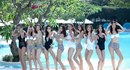 """Tin nóng showbiz: Top 10 The Face diện bikini """"đốt mắt"""" khán giả; Ngưỡng mộ người đẹp """"không tuổi"""" Thủy Hương"""