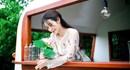 """Mặc tin đồn sắp kết hôn, Khổng Tú Quỳnh tung MV """"Yêu em và hãy như lời em hứa"""""""