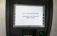 Chủ thẻ nghĩ kế né phí ATM