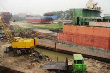"""Nguy cơ cảng biển thành công trường """"xẻ thịt"""" tàu cũ"""