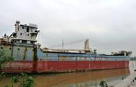 Thực trạng tàu biển neo đậu dài ngày trên biển: Không dùng được thì nên cho phá