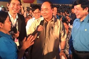 """Công nhân miền Trung """"ăn tết"""" cùng Thủ tướng"""