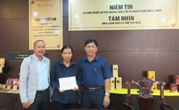 LĐLĐ tỉnh Đắk Lắk: Tặng quà cho 12 CNVCLĐ có hoàn cảnh khó khăn