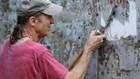 Chuộc lỗi lầm quá khứ, cựu binh Mỹ sang Hà Nội làm sạch các con ngõ