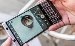 Bản tin nóng công nghệ: Lưu ý khi mua BlackBerry KeyOne, Điện thoại không pin gọi được Skype