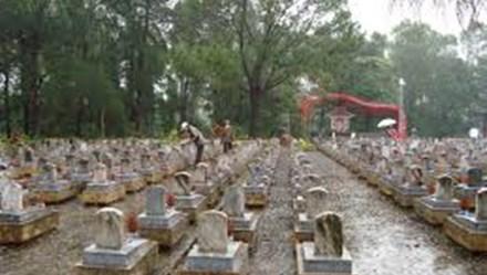 Phần mộ trong nghĩa trang liệt sĩ, nhưng không được công nhận... liệt sĩ