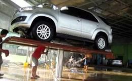 Tai nạn ô tô trong gara, bồi thường thế nào?