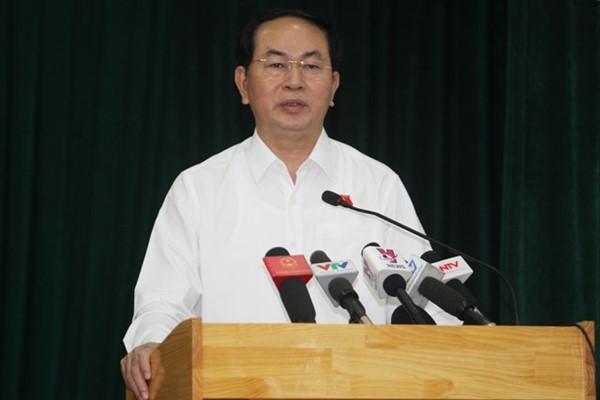 Chủ tịch Nước trả lời các kiến nghị của cử tri tại buổi tiếp xúc - Ảnh: Hoàng Triều