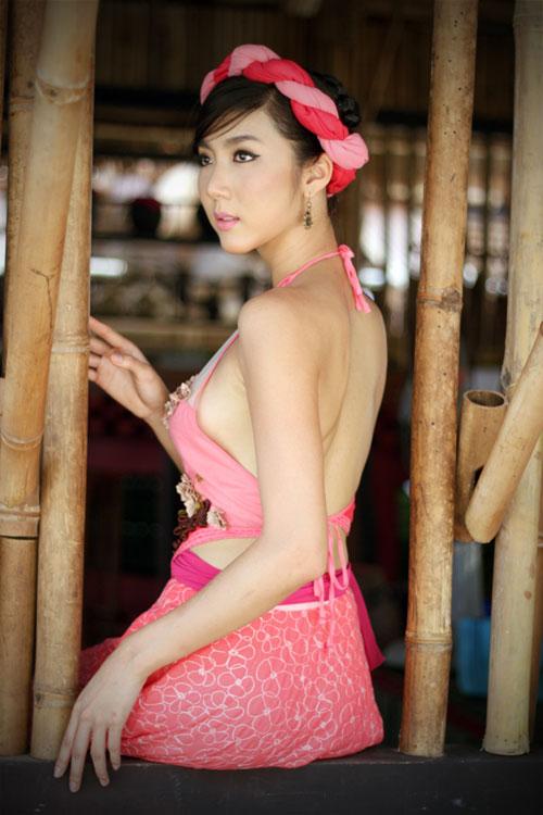 VNbra.Com: Miss teen Thái Thanh Hiền - học cùng lớp với